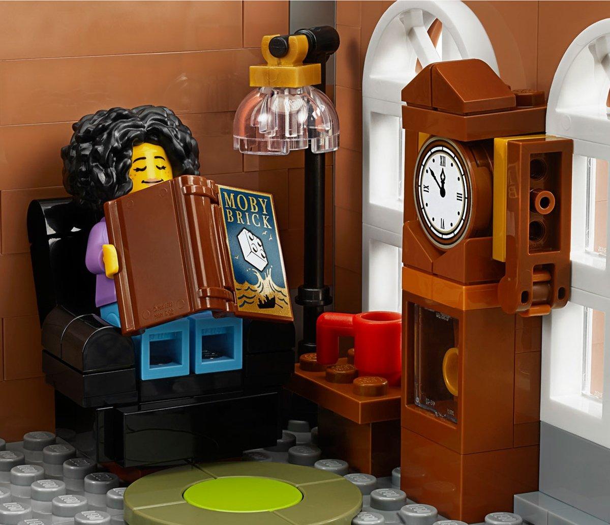 LEGO 10270 Creator Expert Modular Bookshop Moby Brick Book