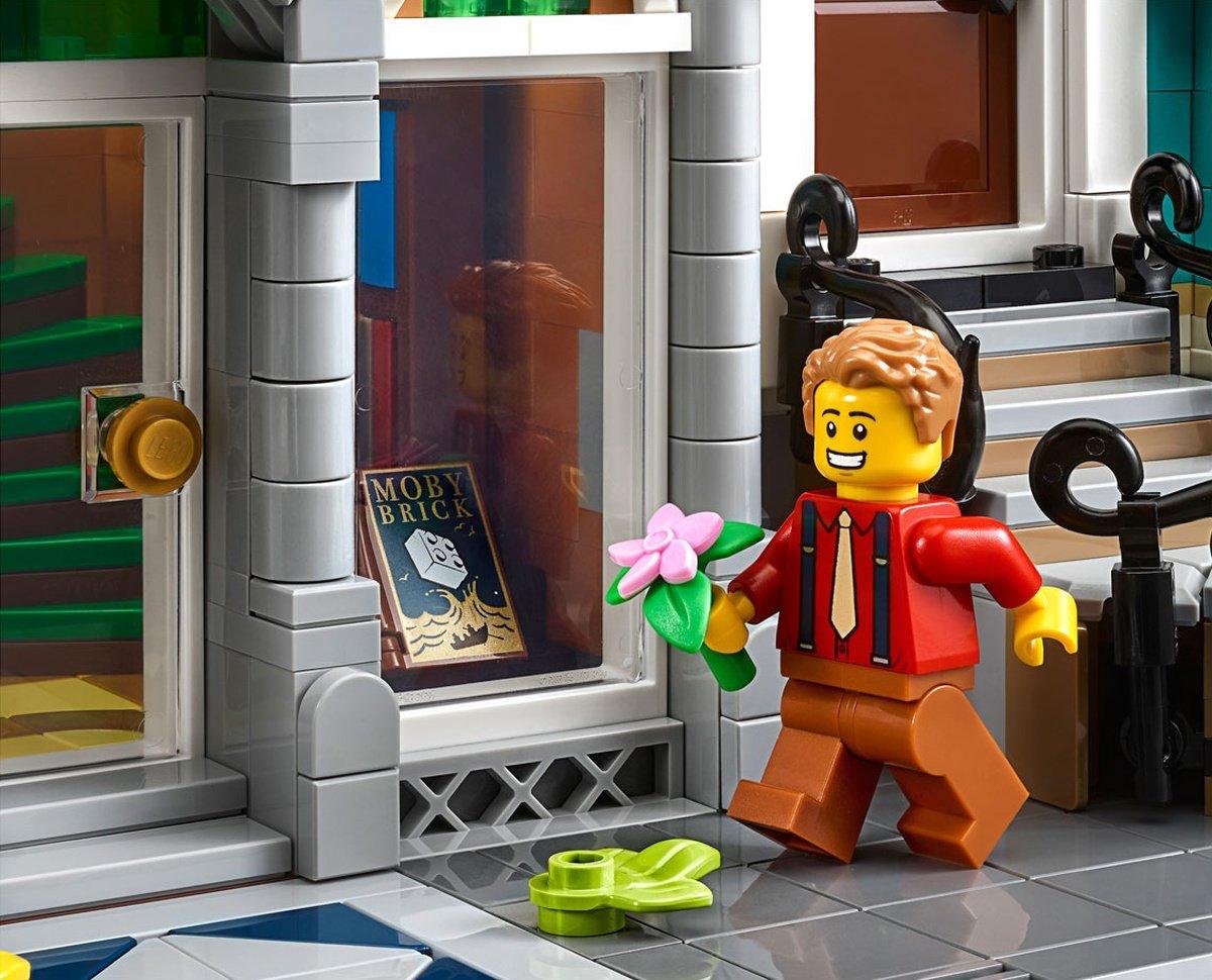 LEGO 10270 Creator Expert Modular Bookshop plants