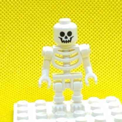 LEGO Minifigure Skeleton with Standard Skull, Bent Arms Vertical Grip
