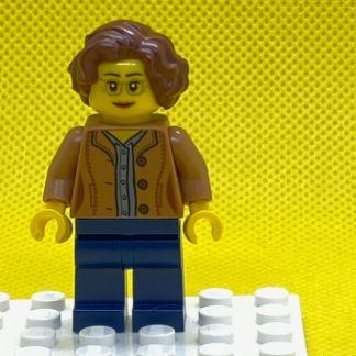 LEGO Female, Short Reddish Brown Hair Minifigure