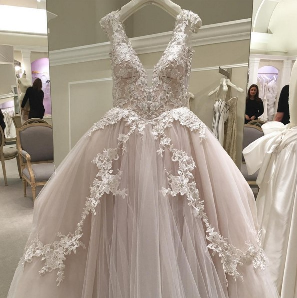 10 Gorgeous Gowns Of Instagram