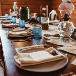 earthy + wooded tablescapes