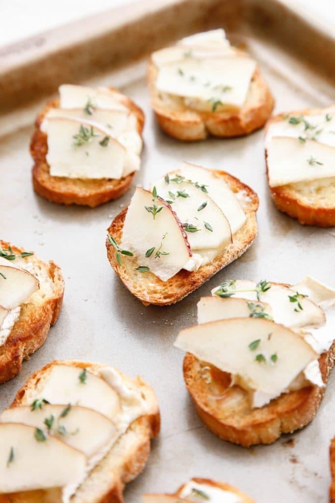 camembert-and-pear-crostini_
