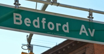 bedford avenue sign