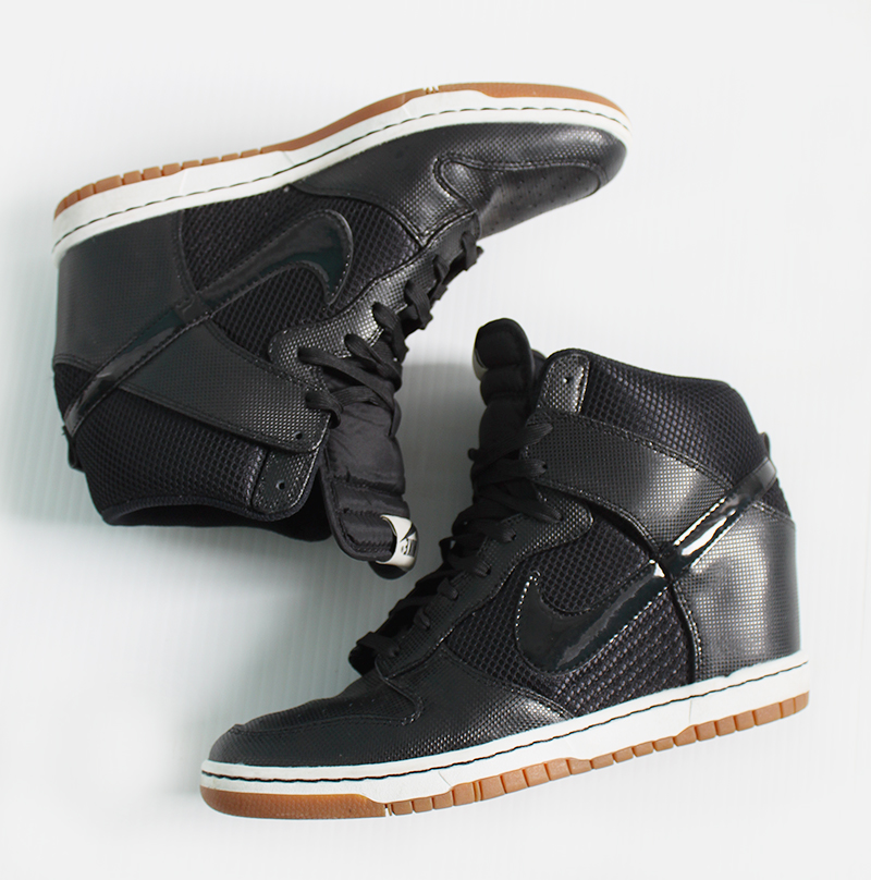 nike-sky-high-dunks-black