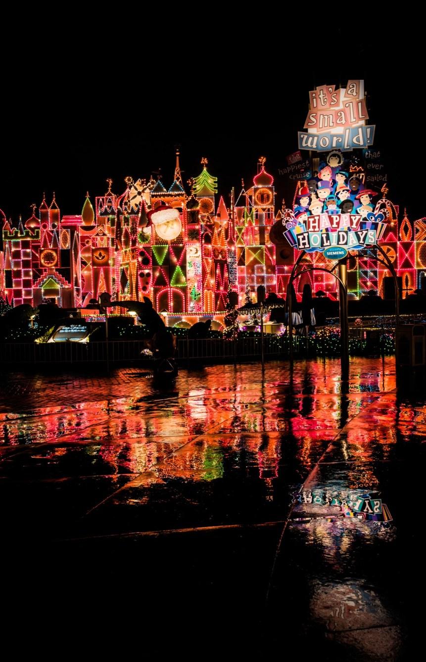 Christmas at Disneyland - Its a Small World