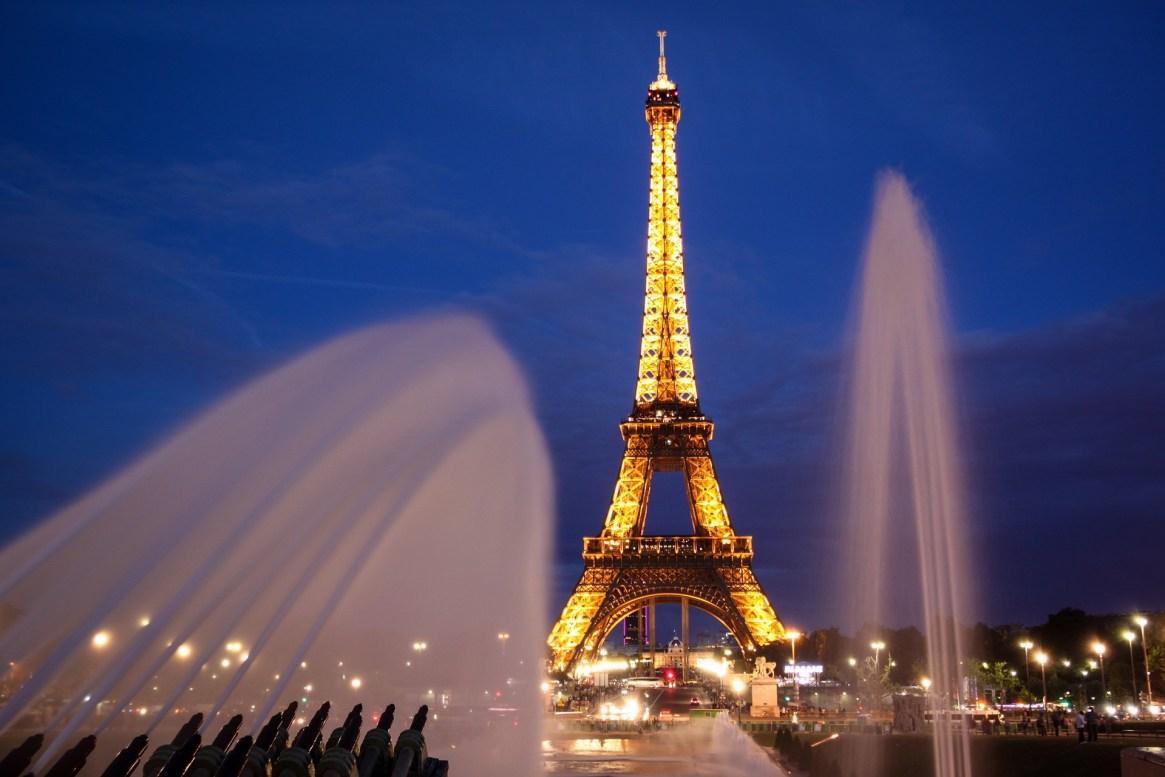 Eiffel tower, thebudgetariantraveler