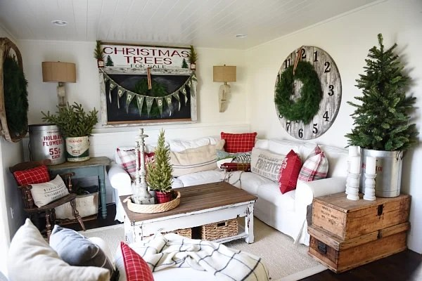 Alternative Christmas Tree Decorating Ideas