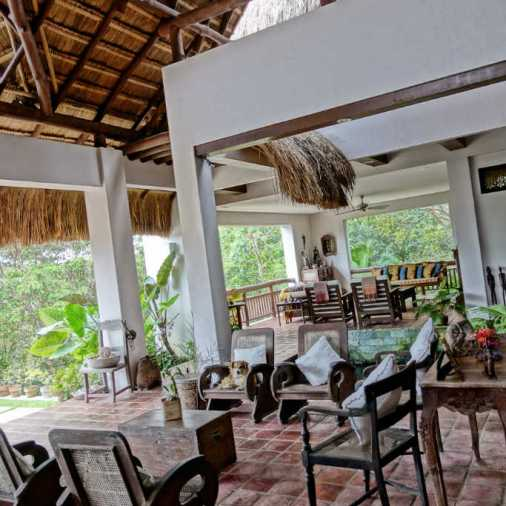 Pangloa and Bohol Island La Casita de Baclayon living room