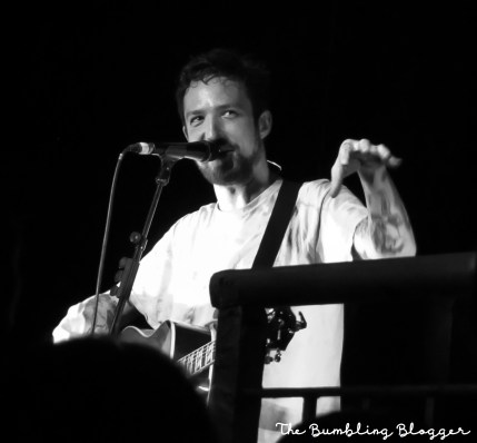 Frank Turner talking to the crowd in Swindon