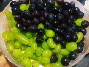 creamy grapes salad