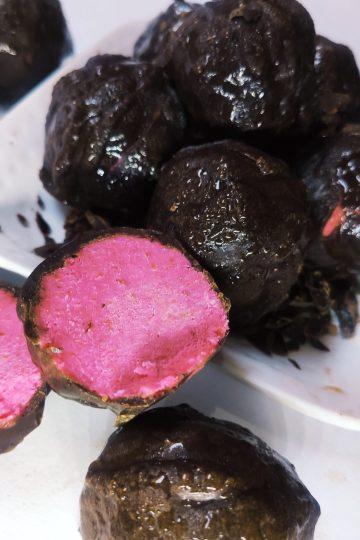 strawberry cake truffles
