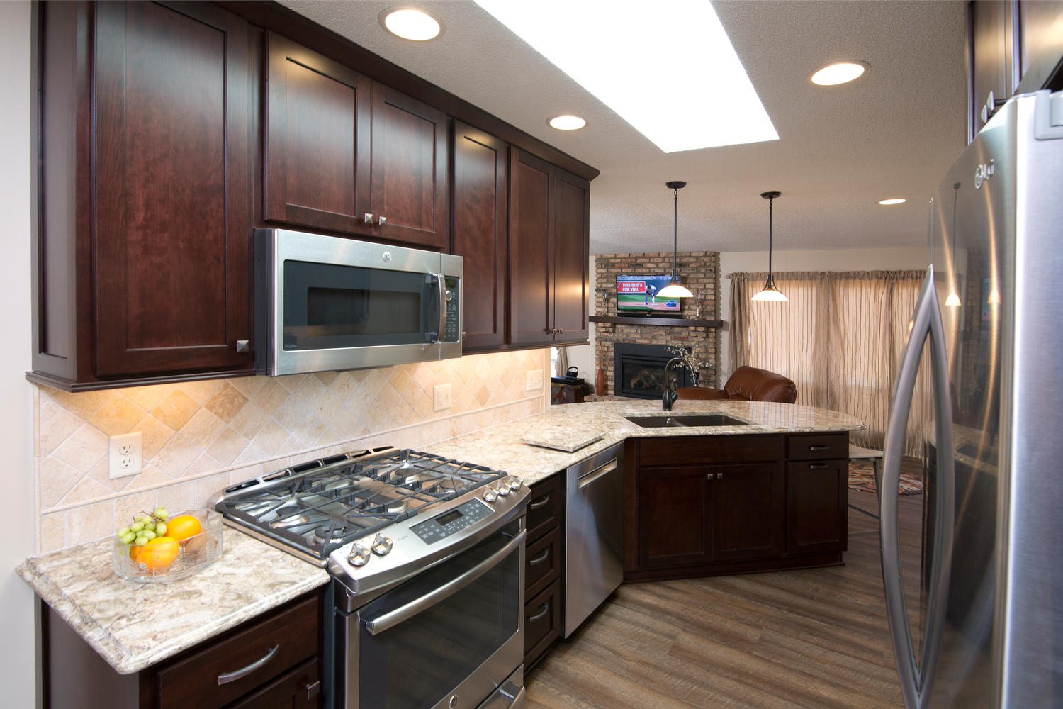 apple valley kitchen cabinets walmart stools kitchens the cabinet store