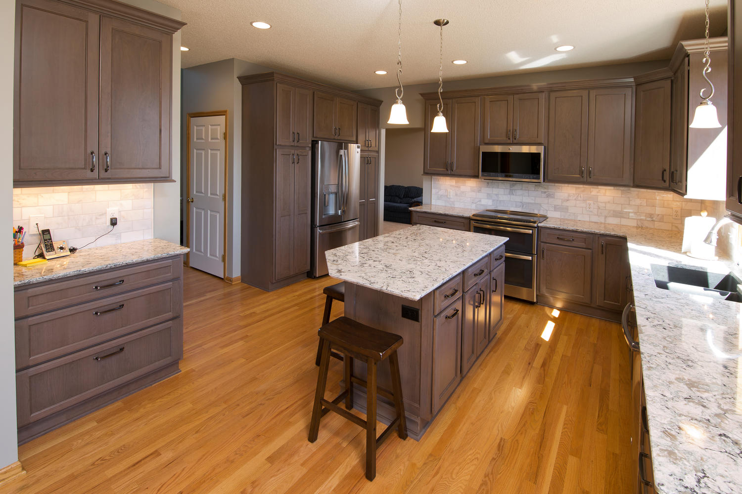 apple valley kitchen cabinets red rugs kitchens the cabinet store