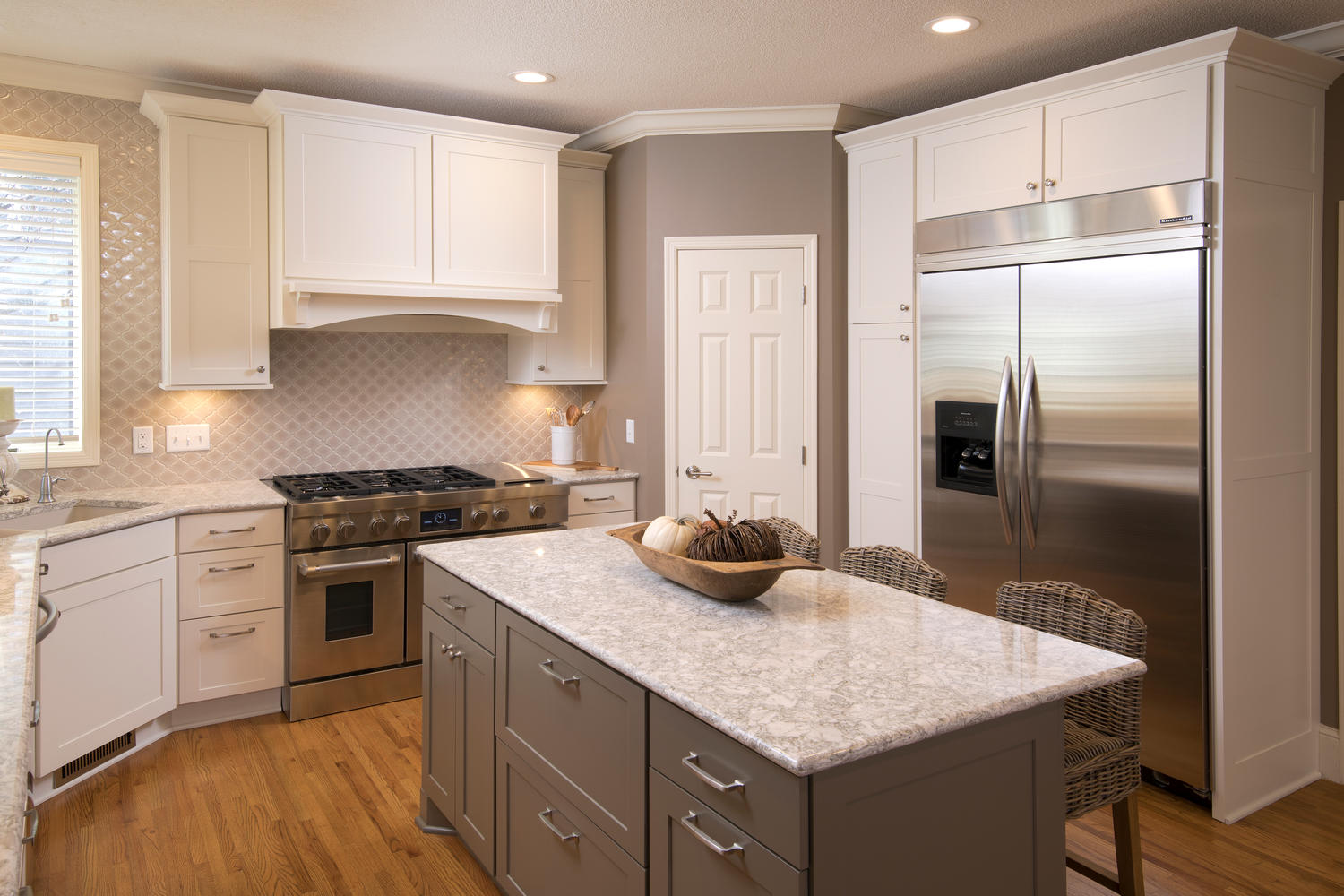 apple valley kitchen cabinets island with kitchens the cabinet store