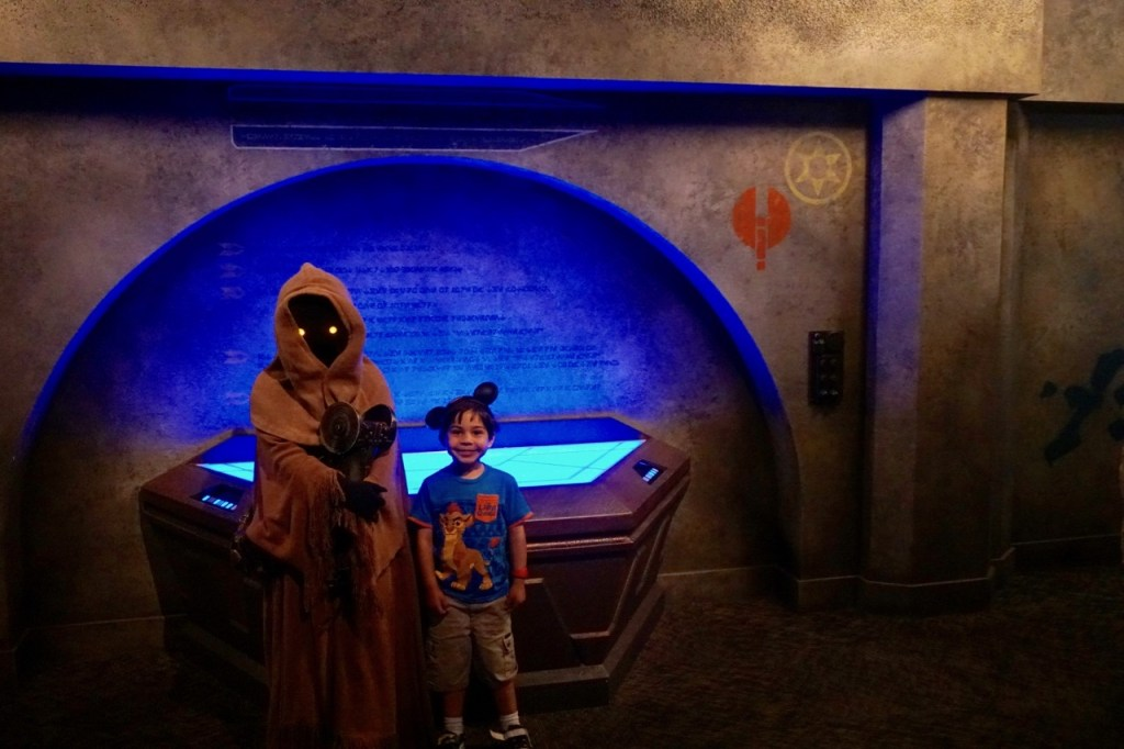 Disneyland vs. Disney World: You can trade with Jawas in Hollywood Studios at Disney World. But you can't at Disneyland.