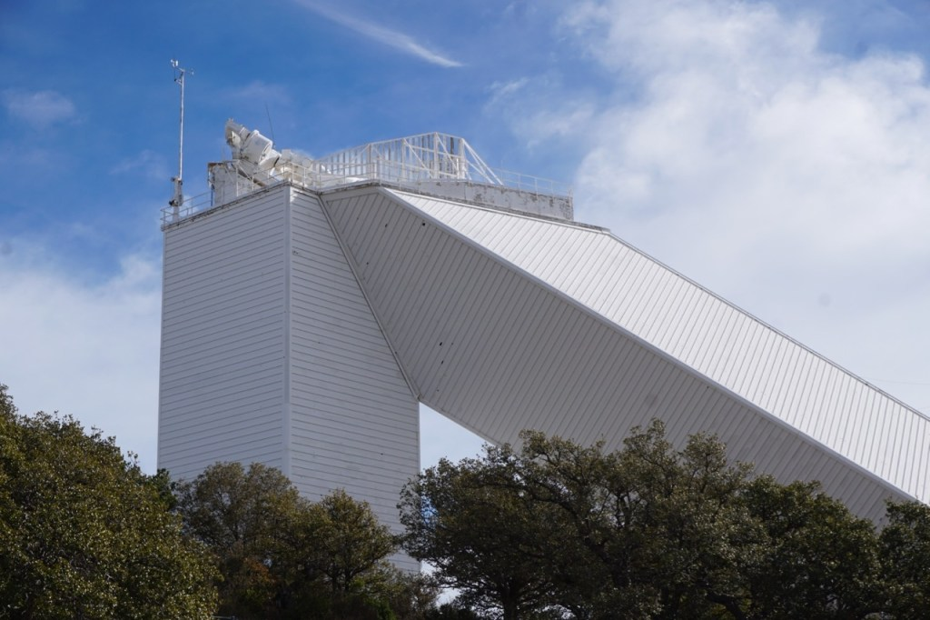 Looking for places to visit near Tucson off the beaten path? Kitt Peak National Observatory is very interesting, especially for fans of astronomy. This is a picture of where the solar telescope is housed.
