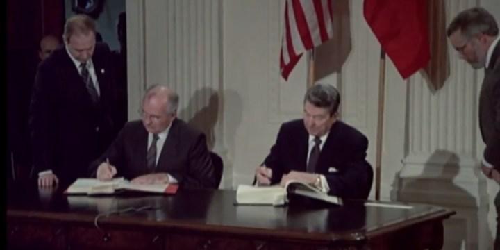 Regan and Gorbachev sign INF treaty 1229 x 615