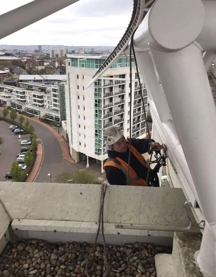 High Rise Abseil Window Clean
