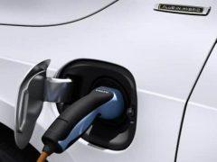 Volvo V60 plug-in hybrid green technology vehicle