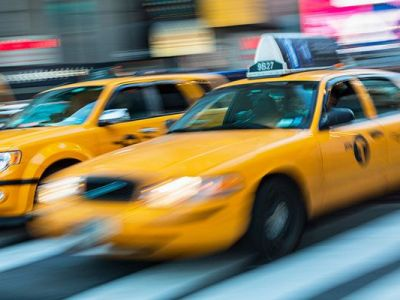 New-York-NYC-taxi-cabs