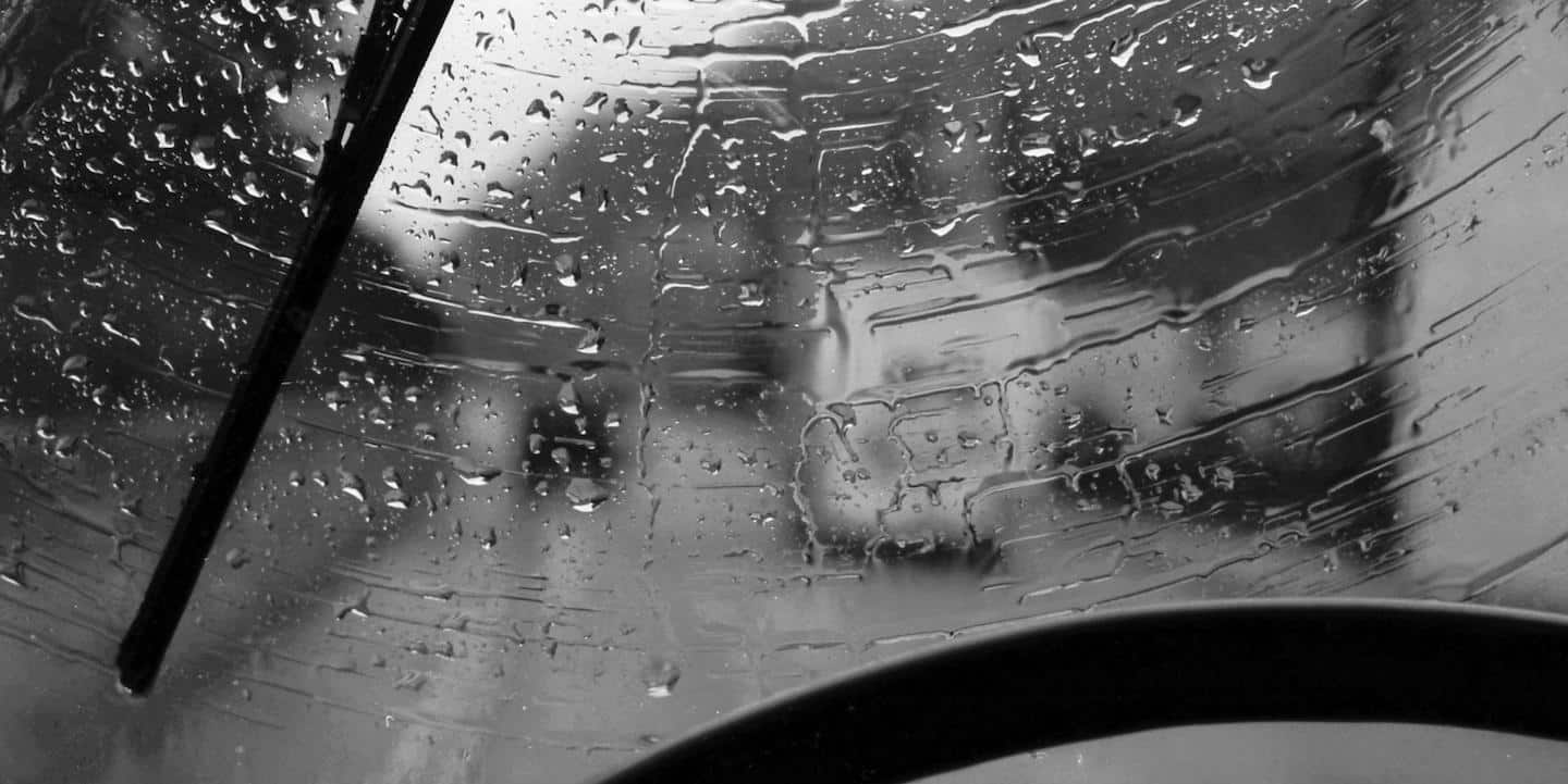 Driving safely means that windscreen wipers should be replaced regularly