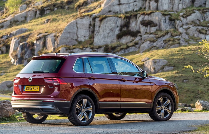 Volkswagen Tiguan SEL with Offroad pack 02