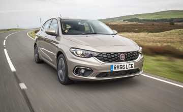 Fiat Tipo harchback review 2017 (The Car Expert)