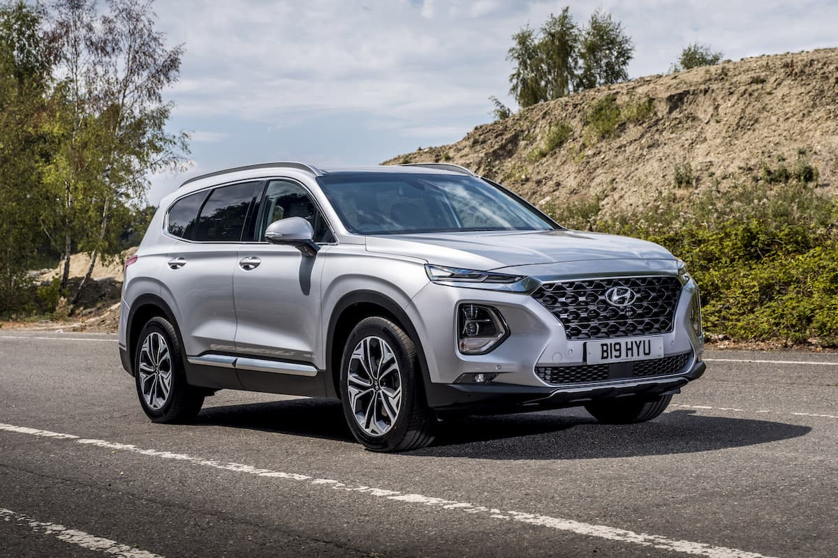 Hyundai Santa Fe (2018) - front view | The Car Expert