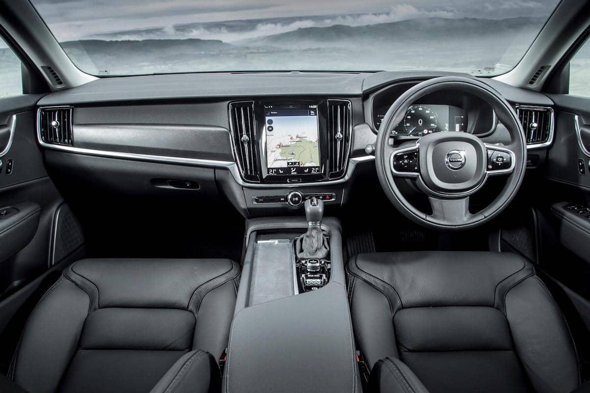 Volvo V90 Cross Country – interior