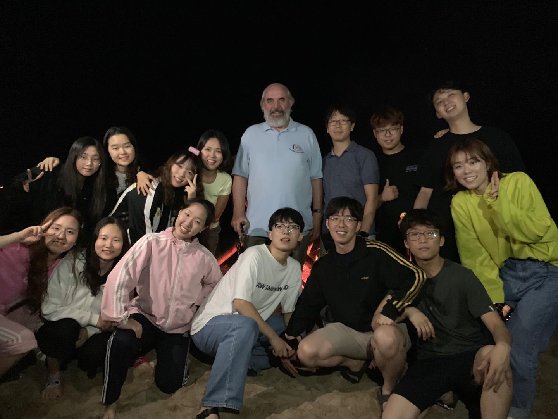 Ontmoeting met ICT-studenten in Korea