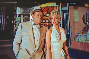 "Lisa's Home Bijou: ""The Seven Year Itch"""