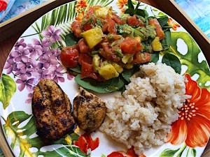 Pineapple lime salsa with turkey and rice has spicy Mexican flavor for a filling meal. Gluten free, dairy free, egg free, soy free. A fiesta for 400 calories!