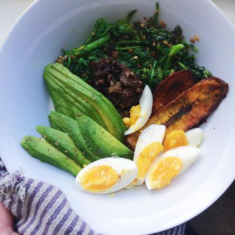 Yaaaasssss!! So hungry after our hike this morning... Whipped up this big ol' bowl of goodness in no time:  Broccoli greens sautéed with grass fed butter & garlic Plantain chips ️Bulgogi  Eggs  Avocado ♥️⚡️