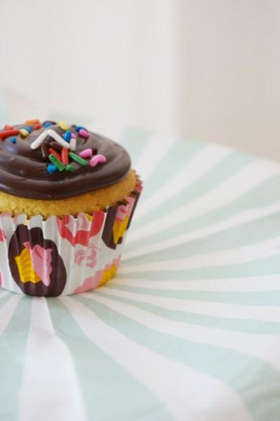 Easy Ganache Cupcake Frosting - 06