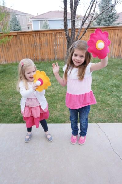 Velcro Ball Toss Flowers - 16
