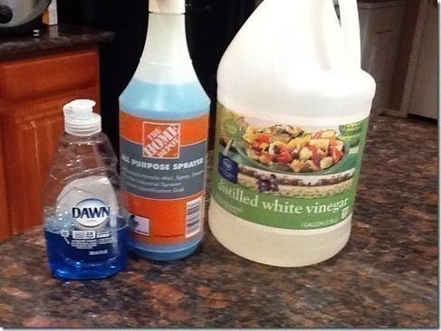 Diy vinegar and dawn as a magic shower cleaner solution for Homemade bathroom cleaner vinegar dawn
