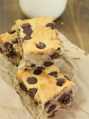 Chocolate Chip Blondies (Grain Free, Gluten Free, No Refined Sugar)