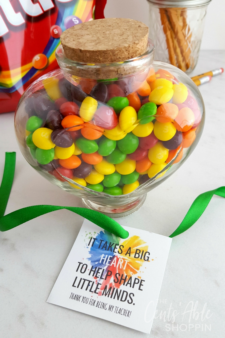 "Fill up a cute jar with a favorite candy and grab this ""Big Heart"" gift tag printable for your child's favorite teacher! #teacherappreciation #teacher #printable #teaching #gift"