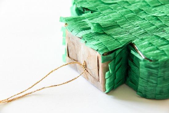 Mini Shamrock piñata-St Patrick's Day craft