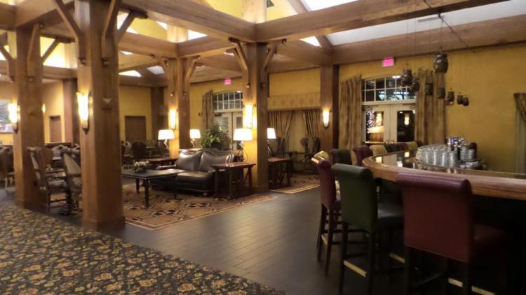 Hershey Lodge bar