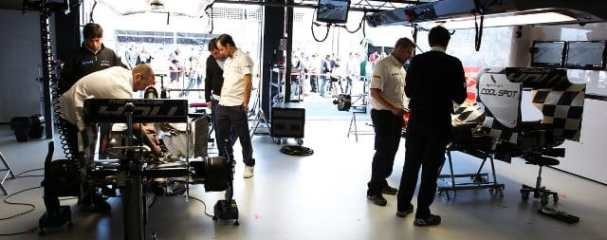 It was all quiet in the HRT garage on race day in Australia - Photo Credit: HRT