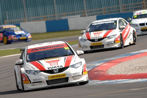 Gordon Shedden lead Matt Neal in the Honda 1-2 in the BTCC standings (Photo Credit: Chris Gurton Photography)