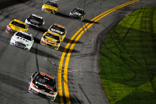 Hamlin led the remaining eight cars to the line (Credit: Jared C. Tilton/NASCAR via Getty Images)