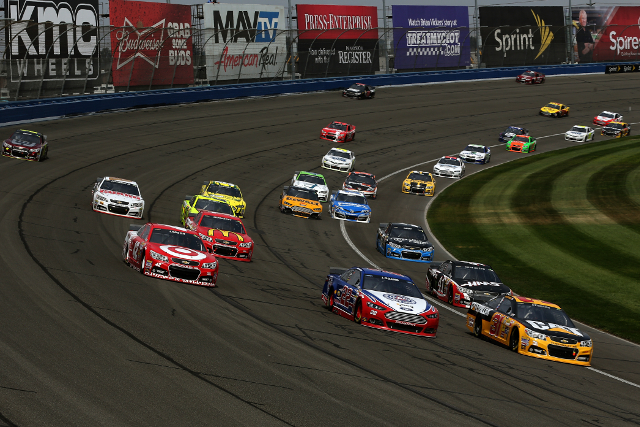 Restarts and three and four wide dominated the day (Credit: Chris Graythen/NASCAR via Getty Images)