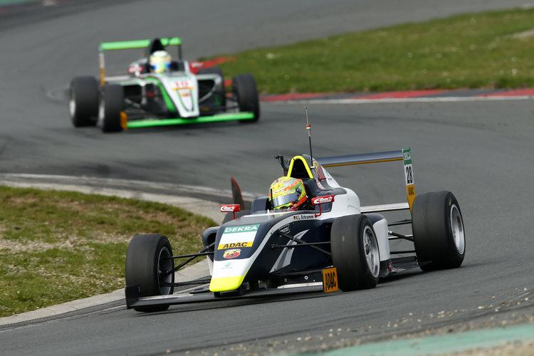 Kim-Luis Schramm US Racing