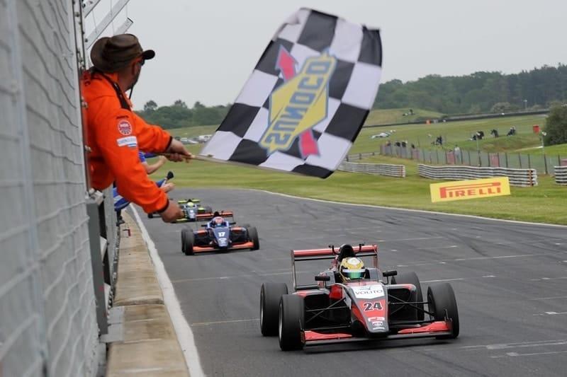 Hampus Ericsson wins race 3 at Snetterton