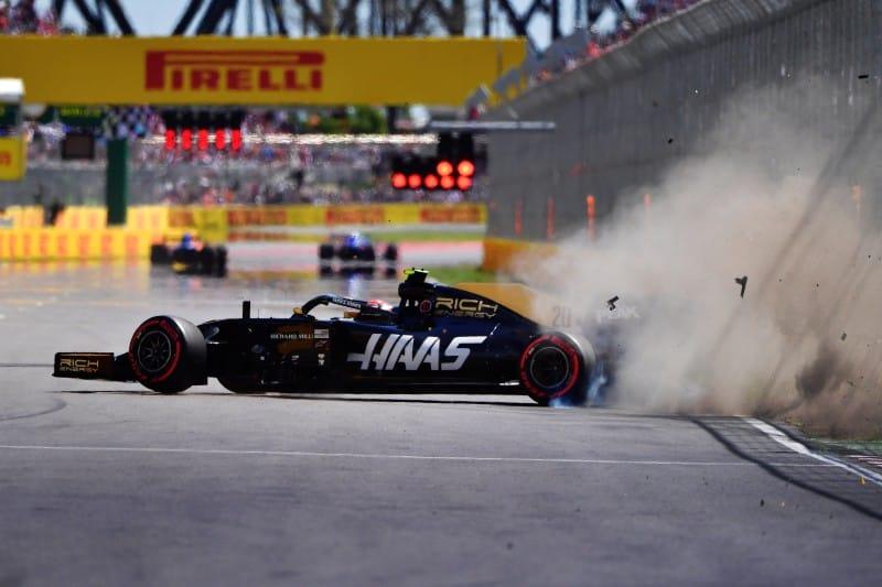 Haas Magnussen Crash - Canada