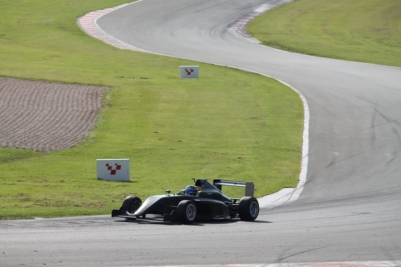 Emily Linscott makes maiden F3 outing