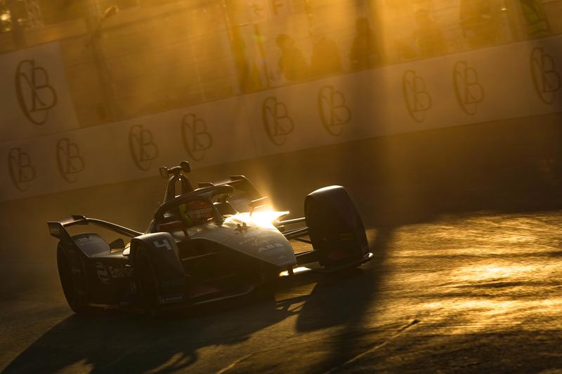Robin Frijns - Envision Virgin Racing in the 2019 Diriyah e-Prix - Race 1 - Practice 1